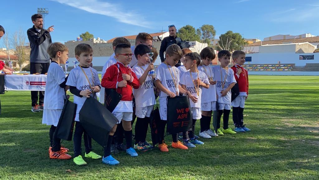 Escuela del Aspe Unión Deportiva en el torneo Aspe ciudad del panetone