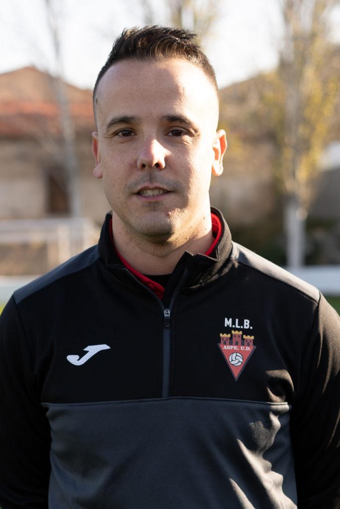 Vicente Pujalte Caparrós es entrenador del equipo Alevín B del Aspe UD.