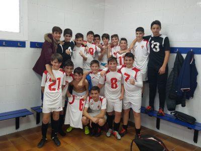 Celebración del Infantil B frente al CF ATlético La Romana