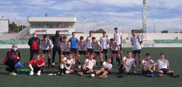 Equipo juvenil del Aspe UD tras jugar en Novelda