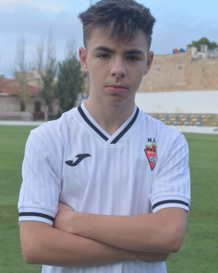 Aaron Herrero Martínez es jugador del Aspe UD