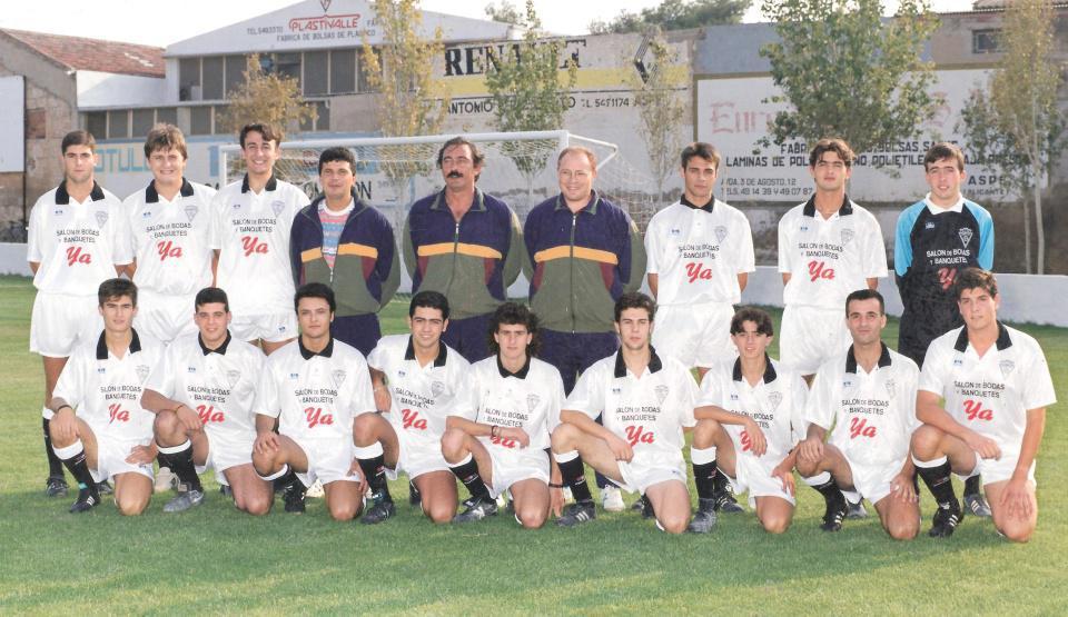primera plantilla oficial del primer equipo senior 1994-1995